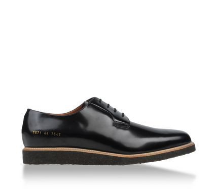laced-shoe-common-projects